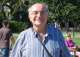 Küba'dan gidişatından sorumlu, gerekli mercileri gördüğü yanlışlar konusunda uyarmayı ihmal etmeyen, Küba yazılarımızı da dikkatle gözden geçiren kıymetli hocamız.. Foto: Senem