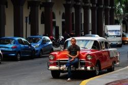 Her bir klasik Amerikan sahibi, arabasına gözü gibi bakar, onunla gurur duyar Küba'da..
