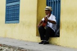 Küba'da müzik her yerde.. Kafede, barda, sokakta, evde..