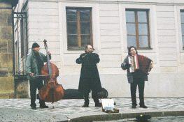 2003-11-prag08