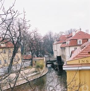 2003-11-prag25