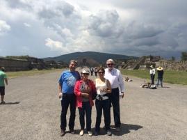 Teotihuacan - Ay ve Güneş piramitleri