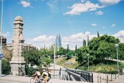 Barcelona'nın folik görünüşlü binası Torre Glories
