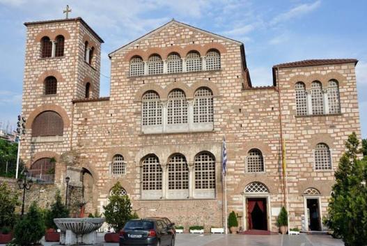 Yunanistan'ın en büyük kilisesi Aya Dimitrios. Foto: Wikimedia