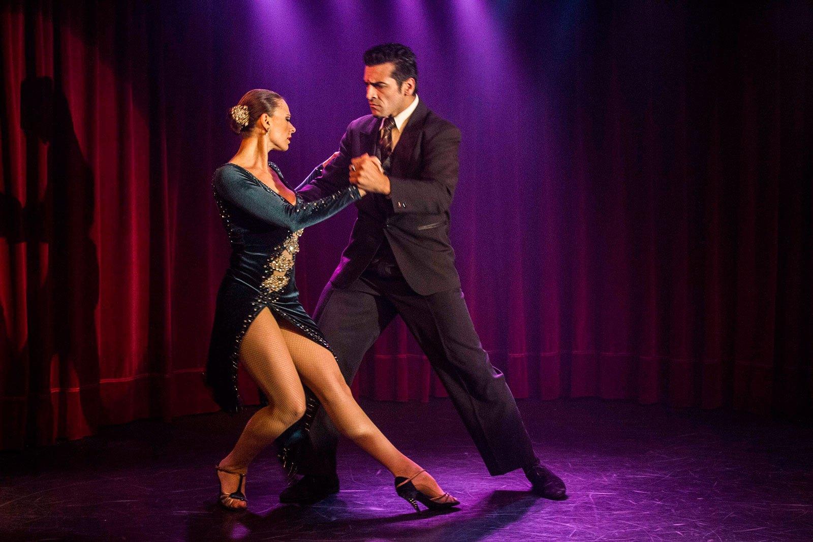 rojo tango